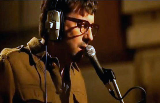 In an interview with total guitar, Graham Coxon talked about touring with Noel Gallagher and the rivalry between Oasis and Blur..
