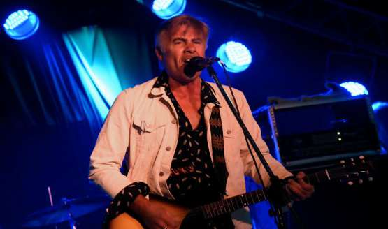 Former Sex Pistol Glen Matlock played Buenos Aires last week after four decades of his musical debut with the band that would reinvent the musical landscape...