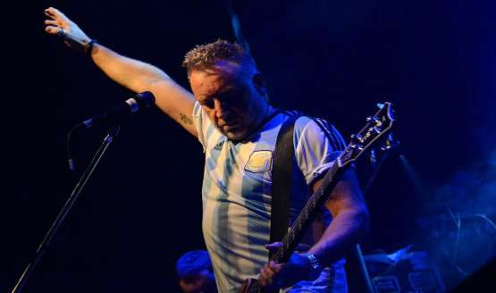 Peter Hook & The Light tocará los clásicos