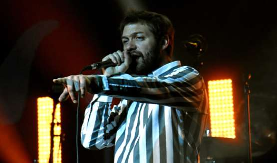 Kasabian order Tom Meighan to leave the band after his assault charge