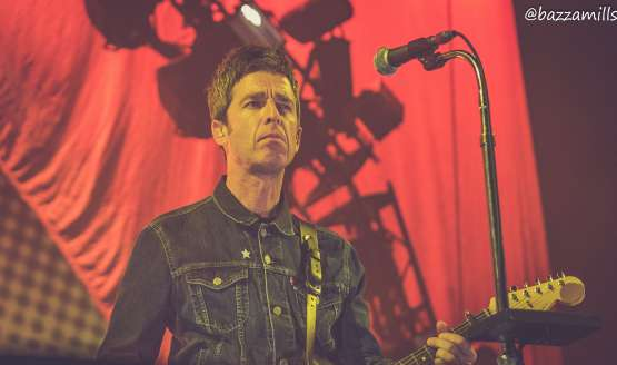 10 Amazing Photos of Noel Gallagher's High Flying Birds in Glasgow