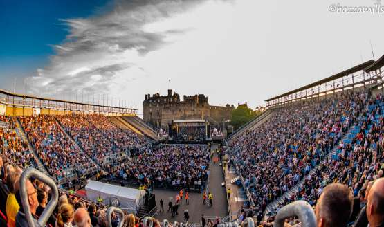 10 Amazing Photos of Paul Weller at Edinburgh Castle