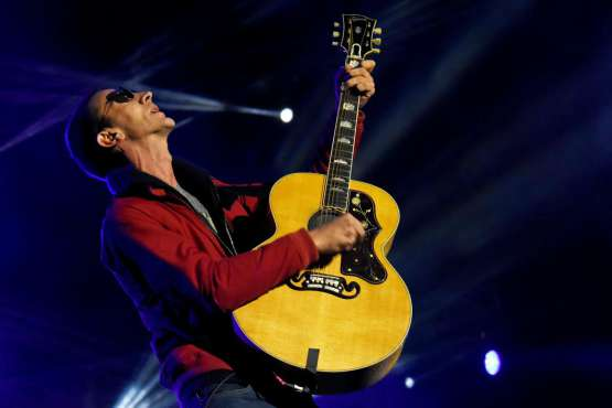 RICHARD ASHCROFT RELEASES NEW TRACK 'THAT'S WHEN I FEEL IT' FROM THE ALBUM 'NATURAL REBEL'