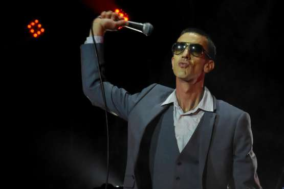 Richard Ashcroft unveils new music video | WATCH