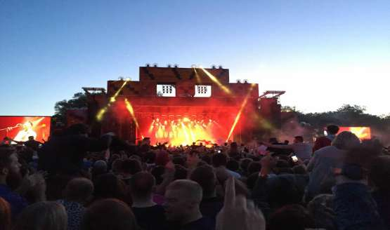 The Courteeners played a sold out concert at Manchester's Heaton Park June 5th, with 25,000 people attending the gig...