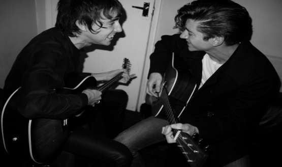 The Last Shadow Puppets, la banda formada por Alex Turner y Miles Kane...