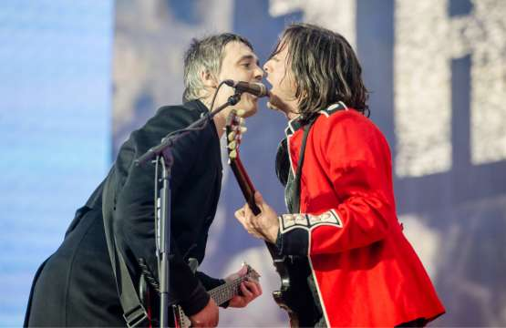 Carl Barat le ha revelado a la revista NME que The Libertines tocarán nuevas canciones cuando se presenten como headliners en Reading & Leeds...