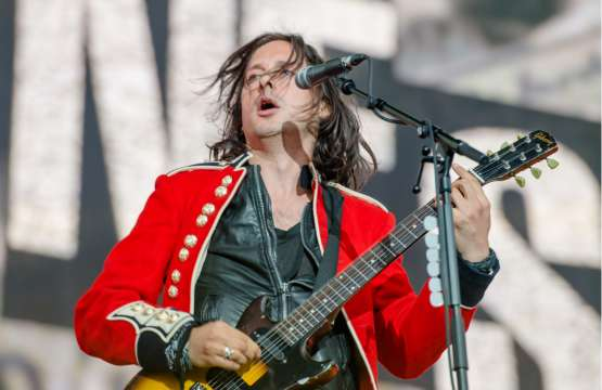"Carl Barat & The Jackals have finally released their debut album ""LET IT REIGN"". The album was released today (16.02)"