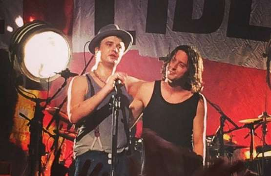 Watch The Libertines perform their last U.S. show with Pete Doherty before their initial breakup on May 5th...